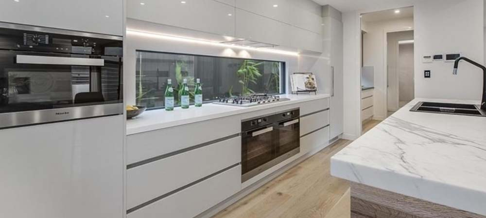Kitchens Gold Coast ? Bathrooms ? Custom Cabinets ? Commercial
